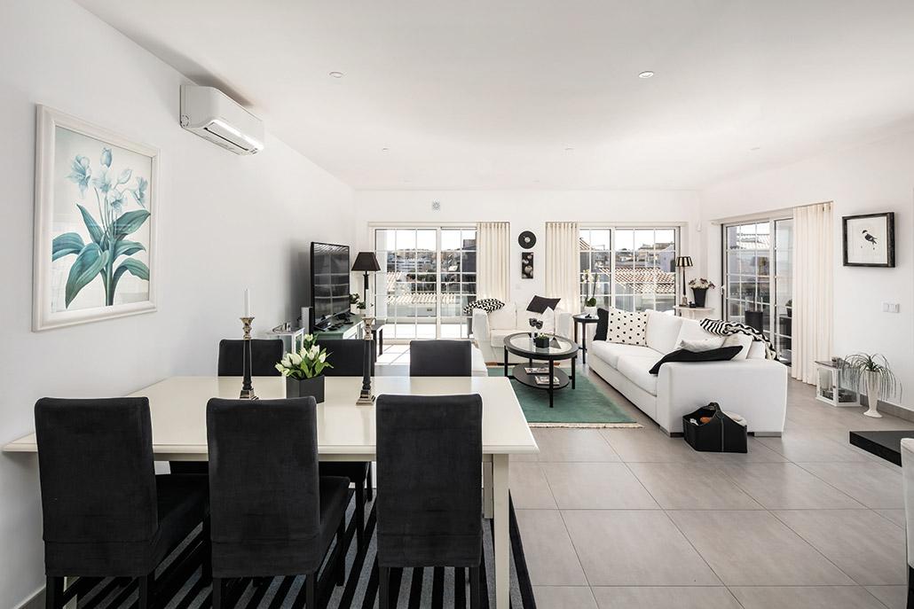 Casa De Lagos by Bespoke Architects