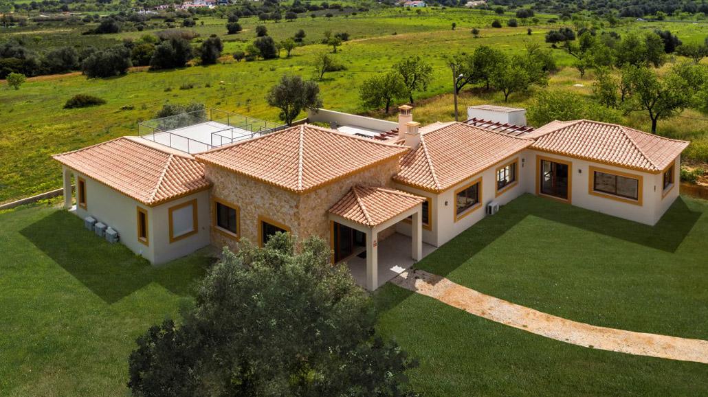 Casa Tresacres by Bespoke Architects